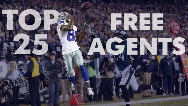Dallas Cowboys wide receiver Dez Bryant (88) makes a catch for a touchdown as Philadelphia Eagles cornerback Bradley Fletcher (24) defends. (Bill Streicher-USA TODAY Sports)