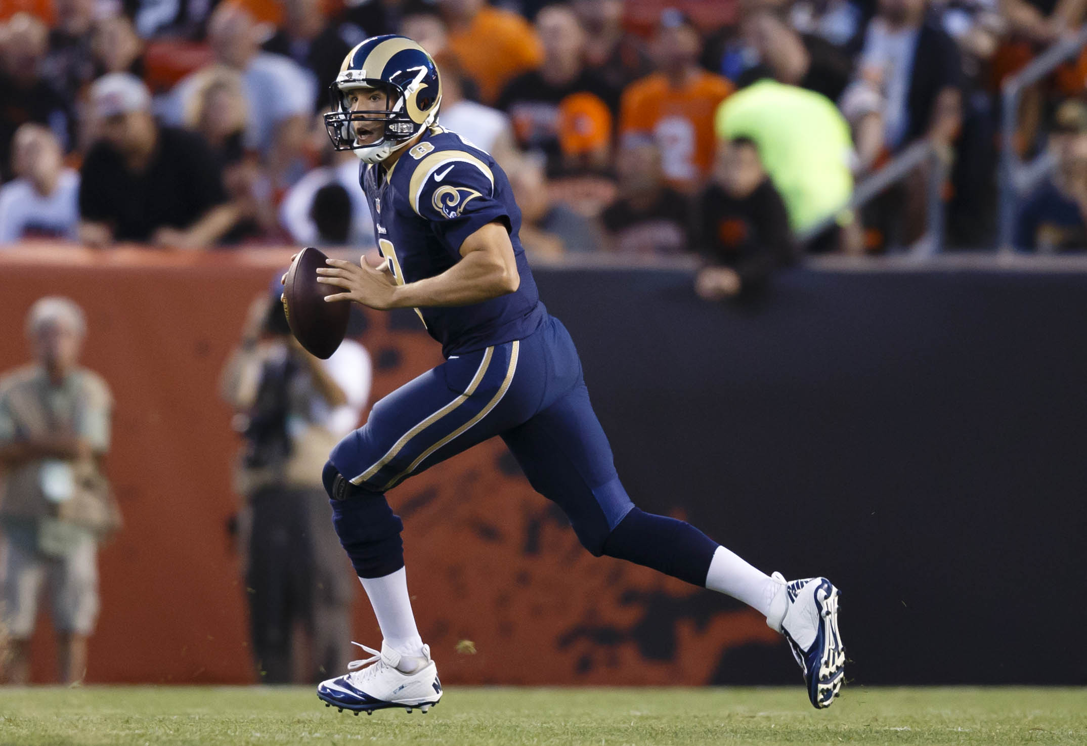 Sam Bradford should thrive in Chip Kelly's no-huddle attack. (Rick Osentoski-USA TODAY Sports)