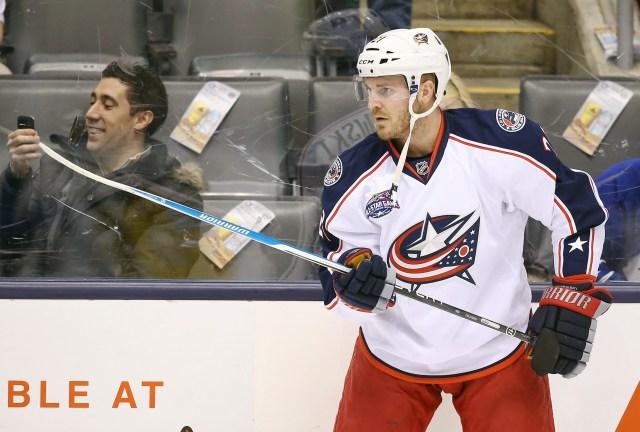 James Wisniewski is returning to Anaheim. (Tom Szczerbowski, USA TODAY Sports)