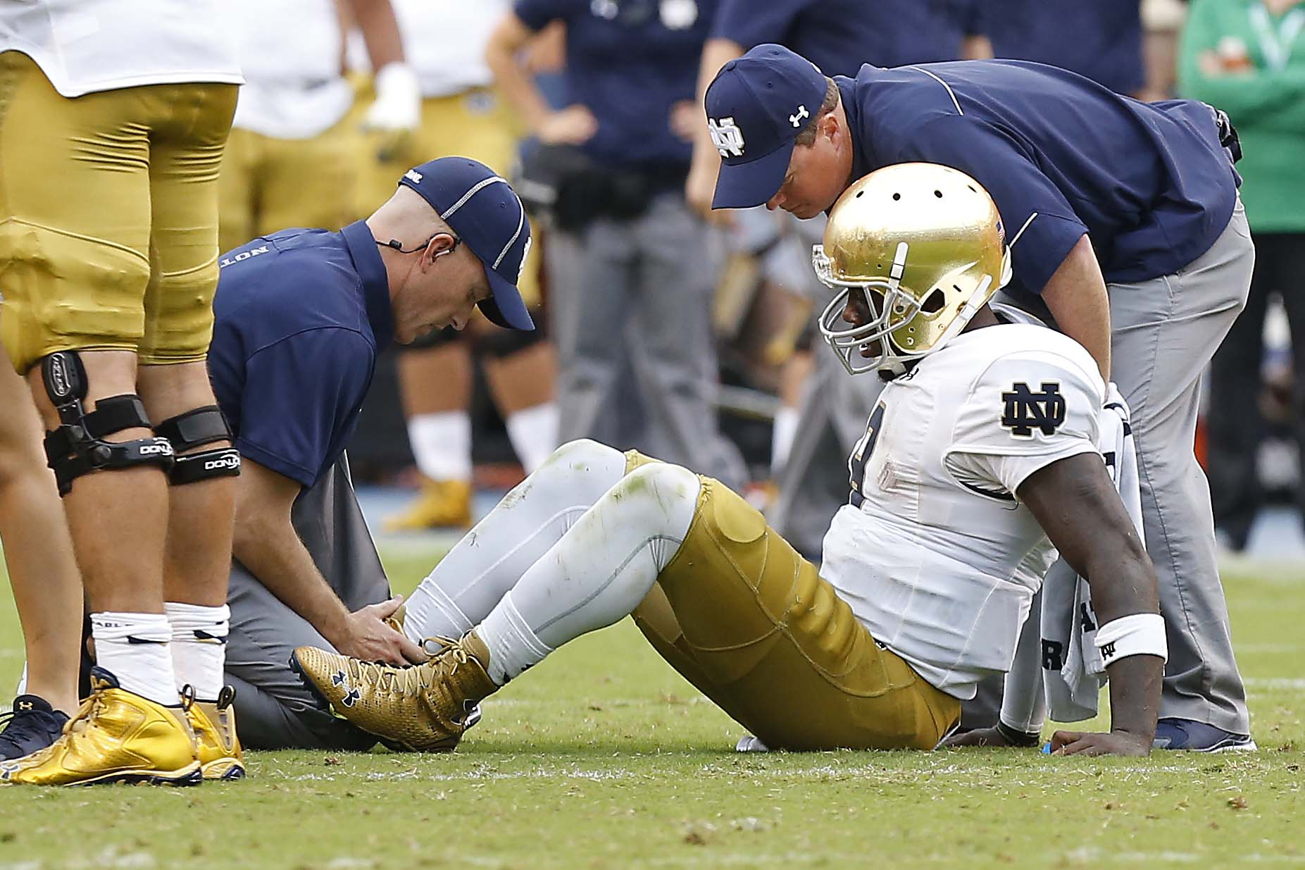 (Notre Dame lost starting quarterback Malik Zaire for the season. Geoff Burke, USA TODAY Sports)