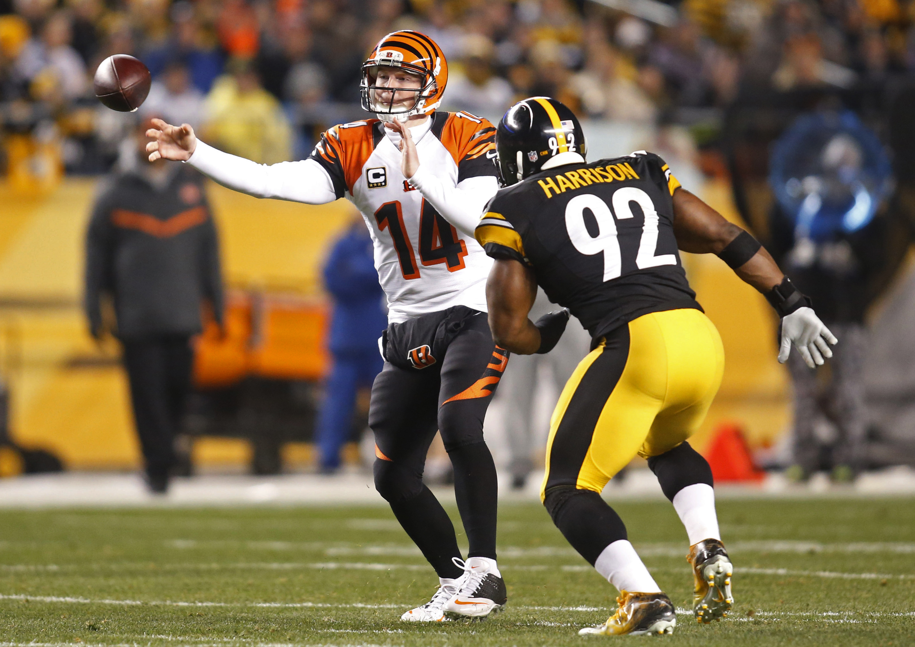 Can James Harrison (92) and the Steelers spoil the perfect season of QB Andy Dalton and the Bengals? (Charles LeClaire, USA TODAY Sports)