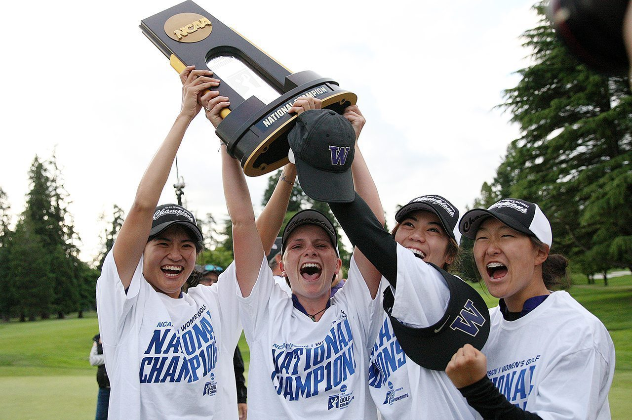Washington's Ying Luo, Charlotte Thomas, Wenyung Keh and Sarah Rhee celebrate winning the 2016 NCAA Championship.