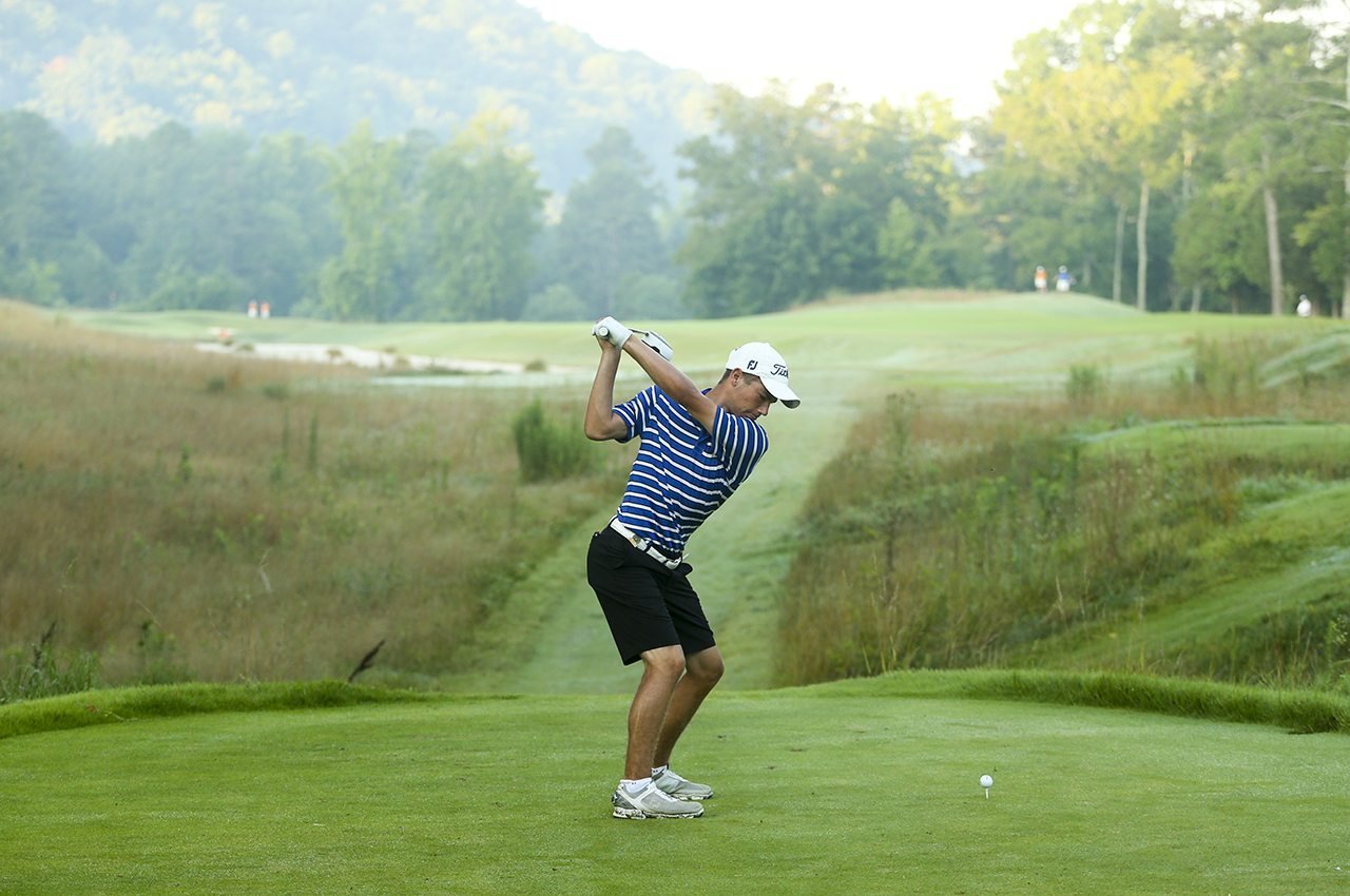 Noah Goodwin plays his tee shot on the 10th hole in the second round of stroke play during the 2016 U.S. Junior Amateur at The Honors Course in Ooltewah, Tenn.