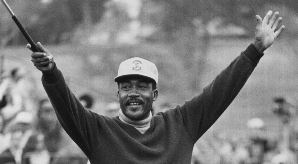Charlie Sifford during his victory at the 1969 Los Angeles Open. Sifford, now 92, will receive the Presidential Medal of Freedom on Nov. 24.