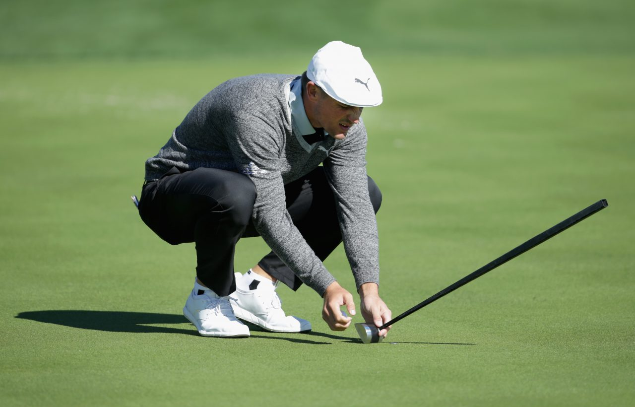 LA QUINTA, CA - JANUARY 21: Bryson Dechambeau lines up a putt on the 18th hole during the third round of the CareerBuilder Challenge in Partnership with The Clinton Foundation at La Quinta Country Club on January 21, 2017 in La Quinta, California. (Photo by Jeff Gross/Getty Images)