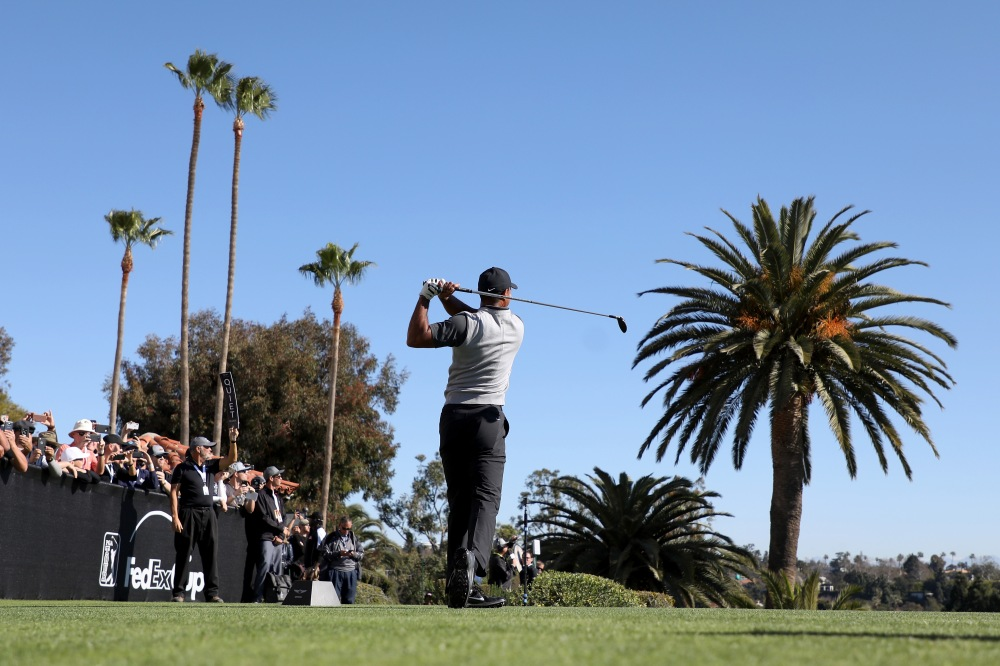 PACIFIC PALISADES, CA - FEBRUARY 15: Tiger Woods plays his shot from the first tee during the first round of the Genesis Open at Riviera Country Club on February 15, 2018 in Pacific Palisades, California. (Photo by Christian Petersen/Getty Images)
