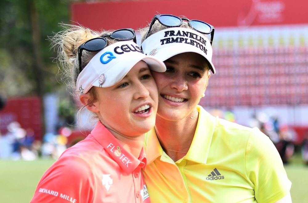 CHONBURI, THAILAND - FEBRUARY 25: Jessica Korda and Nelly Korda of United States celebrate after the Honda LPGA Thailand at Siam Country Club on February 25, 2018 in Chonburi, Thailand. (Photo by Thananuwat Srirasant/Getty Images)