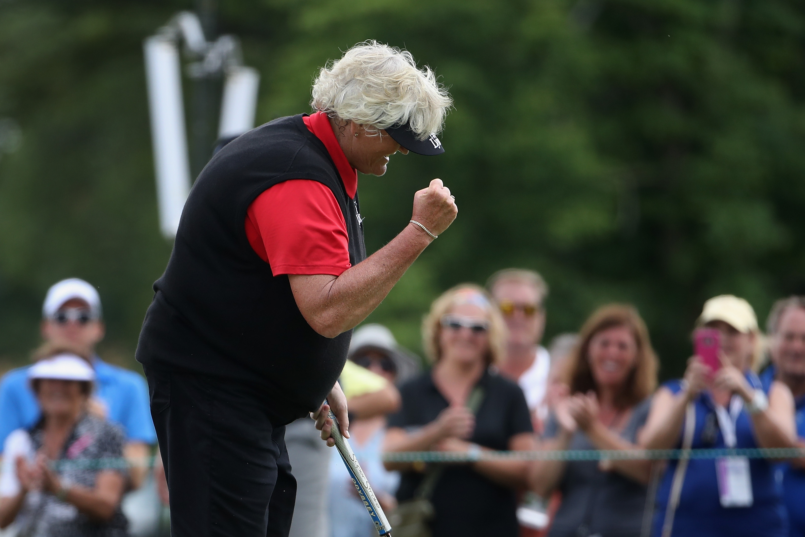 WHEATON, IL - JULY 15: Laura Davies of England celebrates after winning the U.S. Senior Women's Open at Chicago Golf Club on July 15, 2018 in Wheaton, Illinois. (Photo by Christian Petersen/Getty Images)