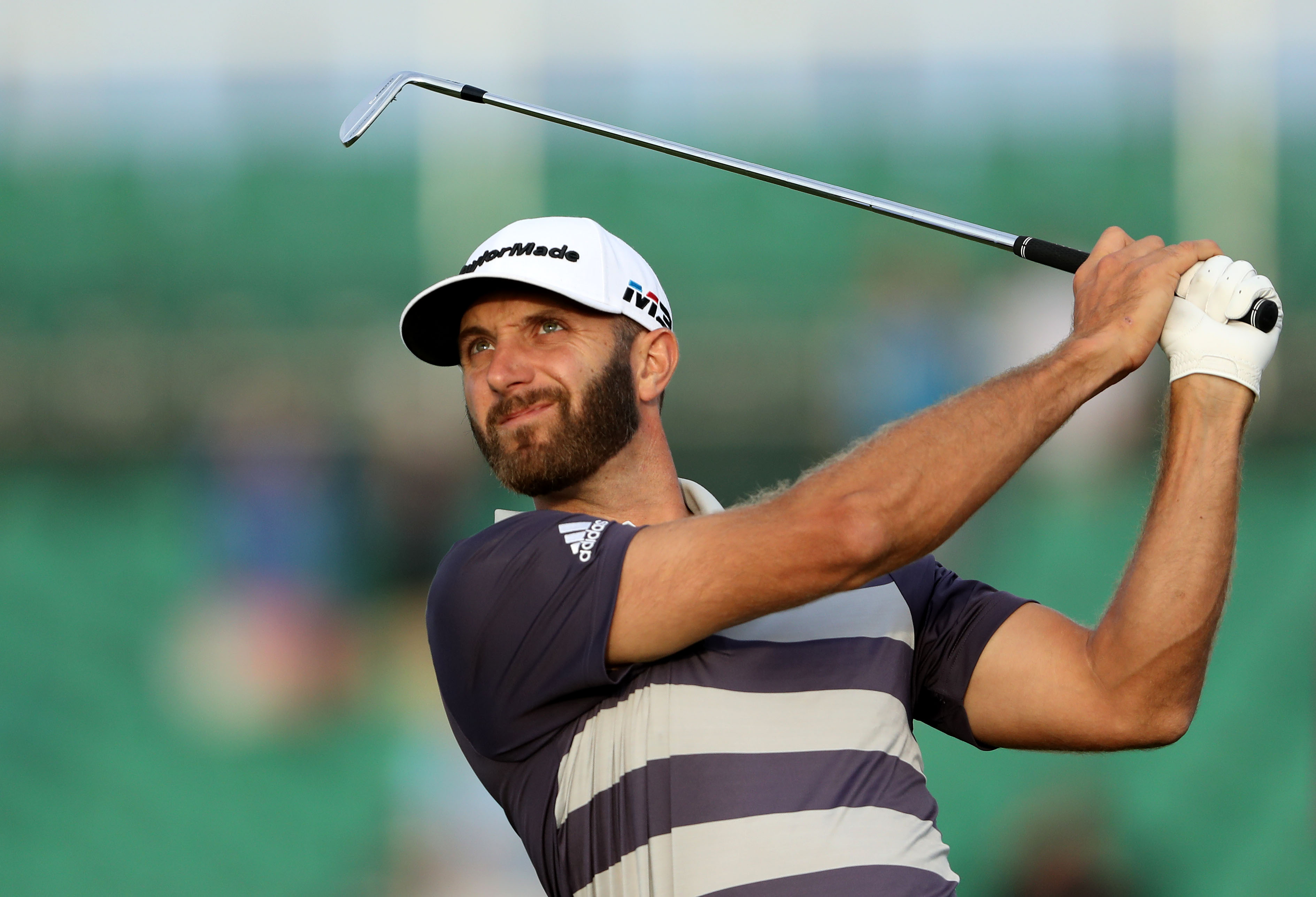 SOUTHAMPTON, NY - JUNE 16: Dustin Johnson of the United States plays his tee shot on the 17th hole during the third round of the 2018 US Open at Shinnecock Hills Golf Club on June 16, 2018 in Southampton, New York. (Photo by David Cannon/Getty Images)