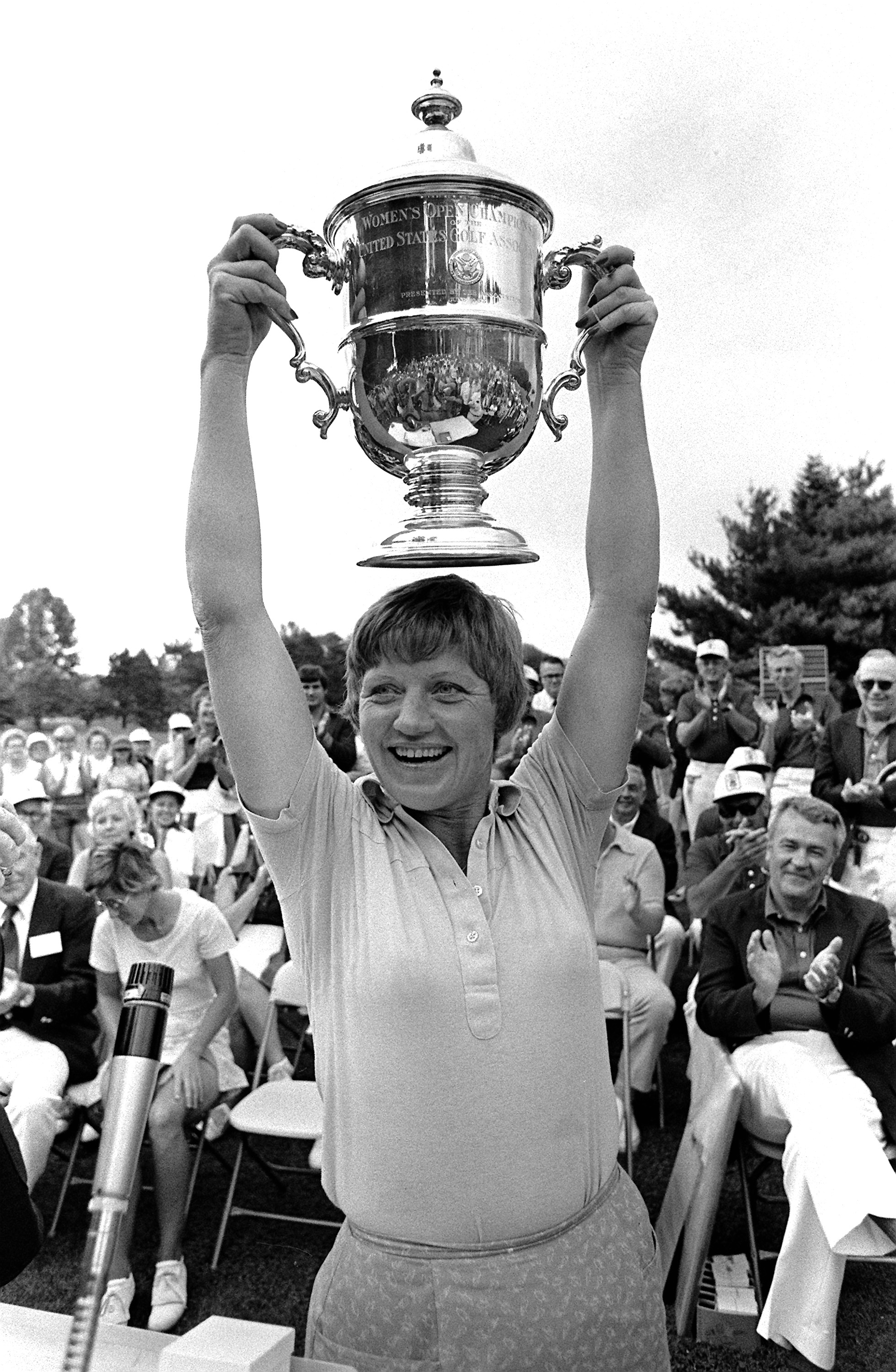 JoAnne Carner shows her trophy after winning the U.S. Women's Open Golf Tournment in suburban Philadelphia, Pa., Monday, July 12, 1976. (AP Photo/Hires)