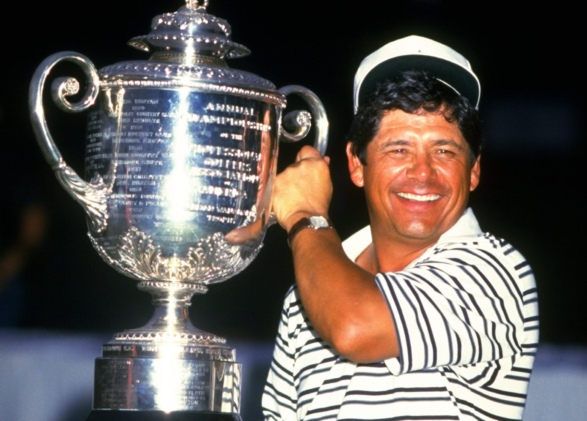 1984: Lee Trevino of the USA holds the trophy aloft after the USPGA Championships at the Shoal Creek Country Club in Birmingham, Alabama, USA. Trevino won the event with a score of 273. Mandatory Credit: David Cannon/Allsport