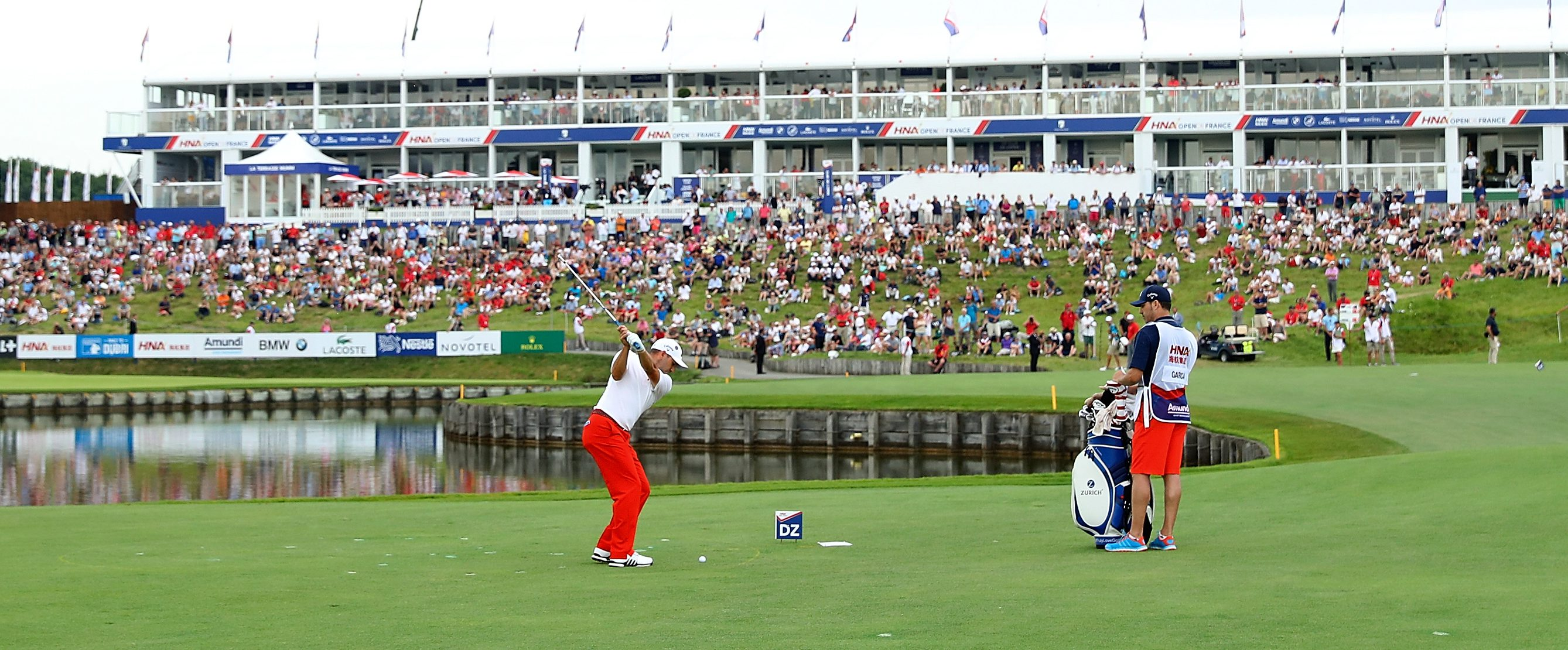 PARIS, FRANCE - JULY 01: Sergio Garcia of Spain plays his fourth shot on the 18th hole during day four of the HNA Open de France at Le Golf National on July 1, 2018 in Paris, France. (Photo by Warren Little/Getty Images)
