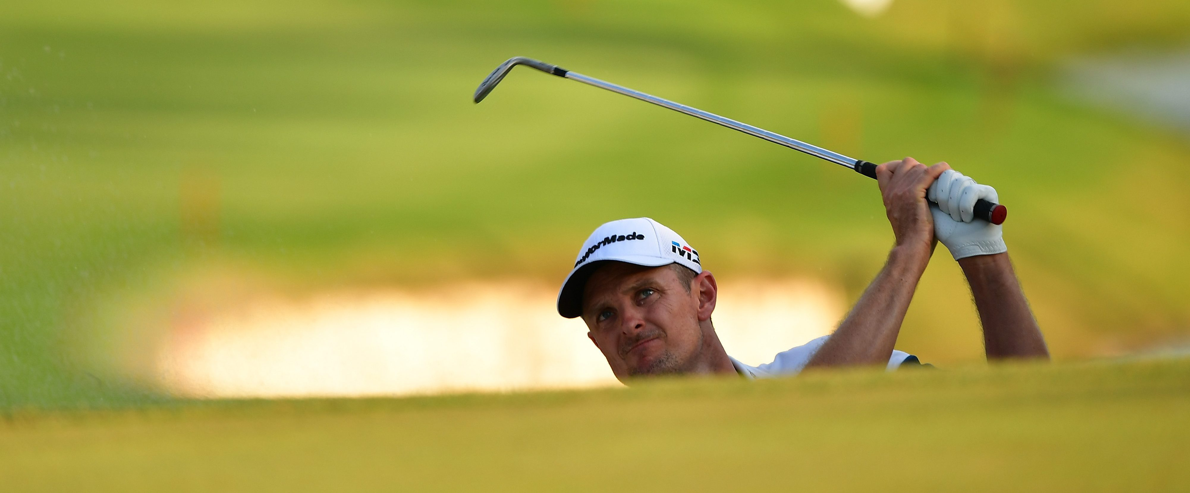 ANTALYA, TURKEY - NOVEMBER 04: Justin Rose of England plays a shot on the 18th hole during the final day of The Turkish Airlaines golf on November 4, 2018 in Antalya, Turkey. (Photo by Stuart Franklin/Getty Images)