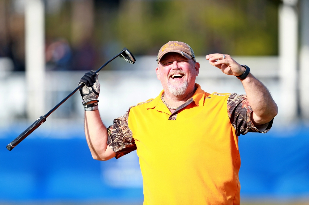 LAKE BUENA VISTA, FLORIDA - JANUARY 17: Comedian Larry The Cable Guy reacts to a putt on the 18th hole during the first round of the Diamond Resorts Tournament of Champions at Tranquilo Golf Course at Four Seasons Golf and Sports Club Orlando on January 17, 2019 in Lake Buena Vista, Florida. (Photo by Matt Sullivan/Getty Images)