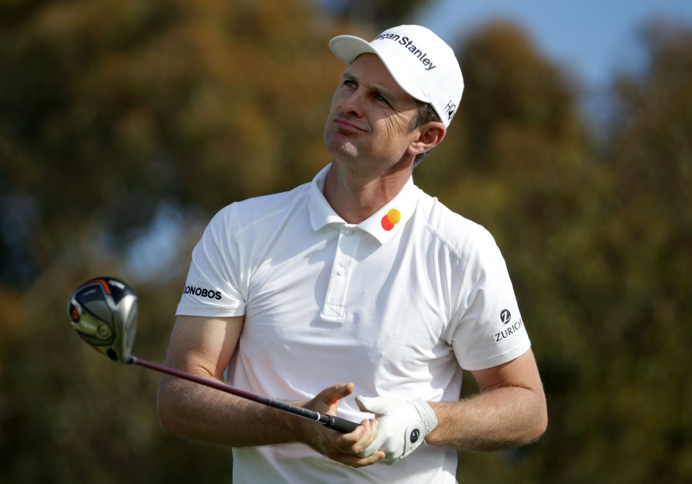 SAN DIEGO, CALIFORNIA - JANUARY 26: Justin Rose of England plays his shot from the 12th tee on the South Course during the third round of the the 2019 Farmers Insurance Open at Torrey Pines Golf Course on January 26, 2019 in San Diego, California. (Photo by Jeff Gross/Getty Images)