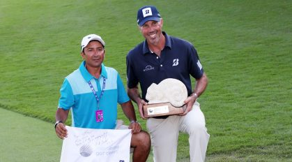 PLAYA DEL CARMEN, MEXICO - NOVEMBER 11: Matt Kuchar of the United States celebrates with caddie El Tucan on the 18th green after winning during the final round of the Mayakoba Golf Classic at El Camaleon Mayakoba Golf Course on November 11, 2018 in Playa del Carmen, Mexico. (Photo by Rob Carr/Getty Images)