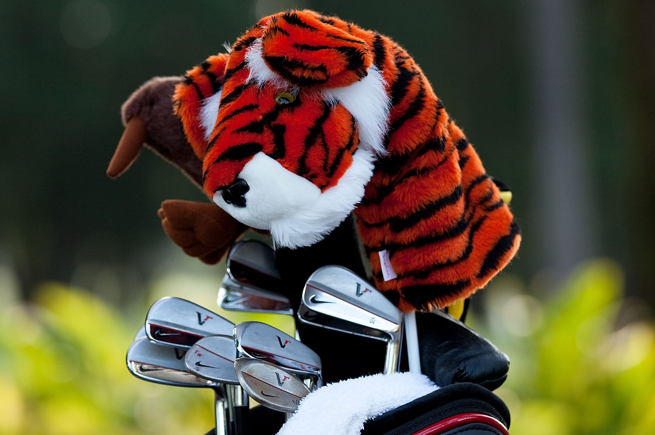Tiger Woods equipment at 2010 Players