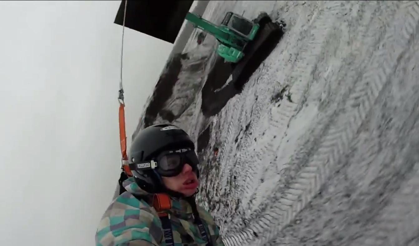 VIDEO: Quarterback Eli Manning Eats Sh*t Trying To Ski