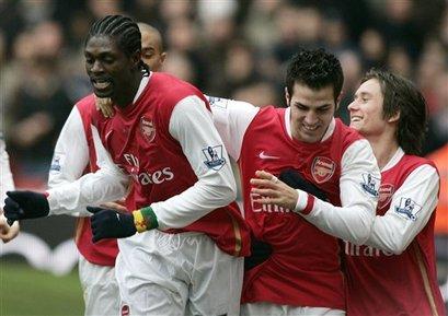 Arsenal_celebrates_ap