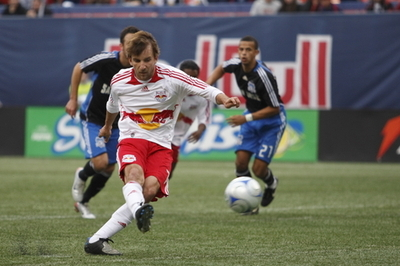 Mike_magee_penalty_isi_photos