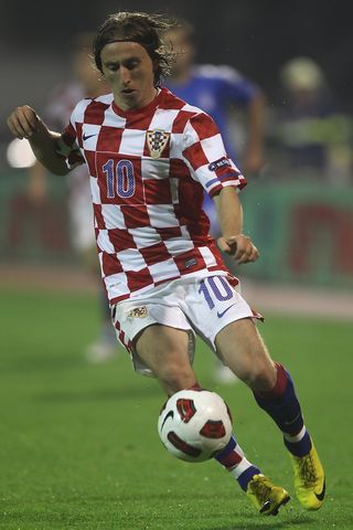 Luka+Modric+Croatia+v+Greece+EURO+2012+Qualifier+07u2YXh5QY1x