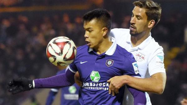 Bobby Wood FC Erzgebirge Aue 22