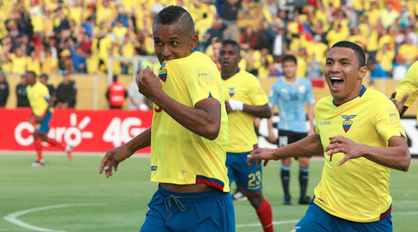 Fidel Martinez Ecuador Uruguay 21