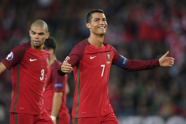 Cristiano+Ronaldo+Portugal+v+Austria+Group+xJwKIApgHyQl