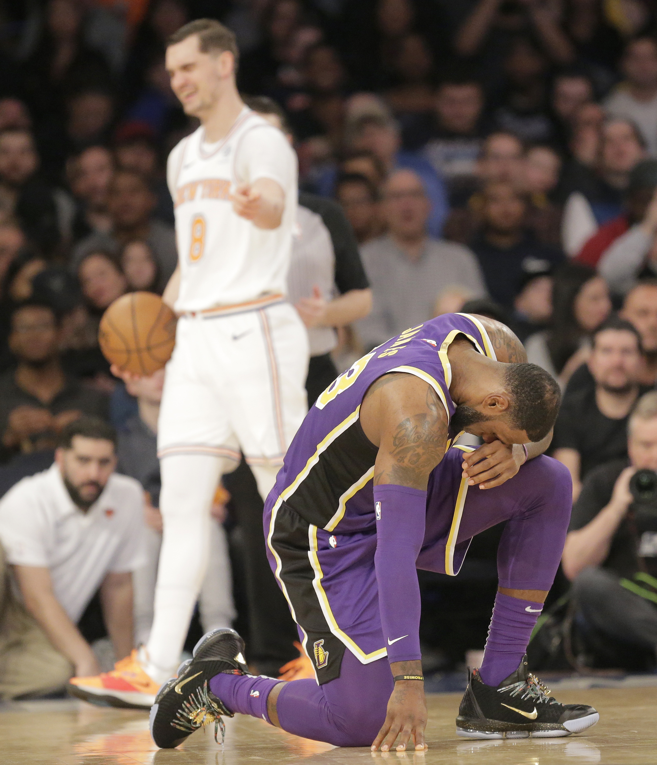 LeBron James' rough outing in Knicks
