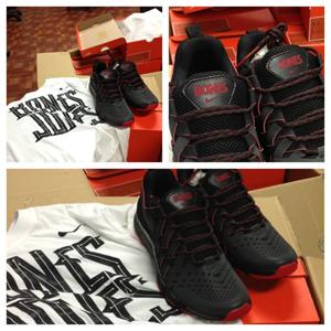jon-jones-nike-shoes-2.jpg