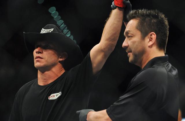 MMA: UFC 167-Cerrone vs Dunham