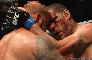 Mark Hunt and Antonio Silva