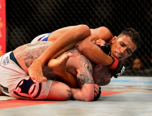 charles-oliveira-ufc-fight-night-36