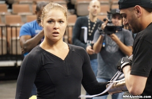 ronda-rousey-ufc-170-workout-2