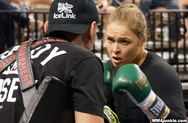 ronda-rousey-ufc-170-workout