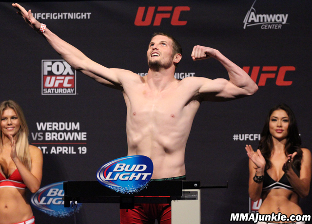 chas-skelly-ufc-on-fox-11