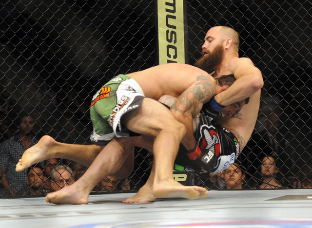 travis-browne-ufc-on-fox-11