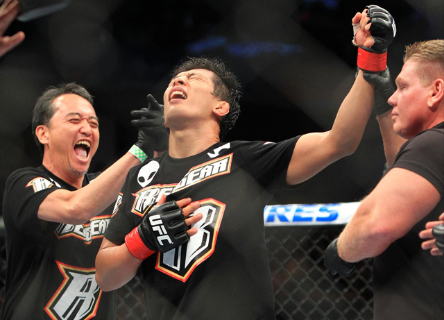 takeya-mizugaki-ufc-fight-night-27