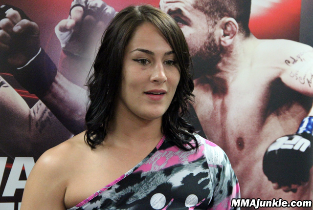 jessica-eye-ufc-fight-night-44