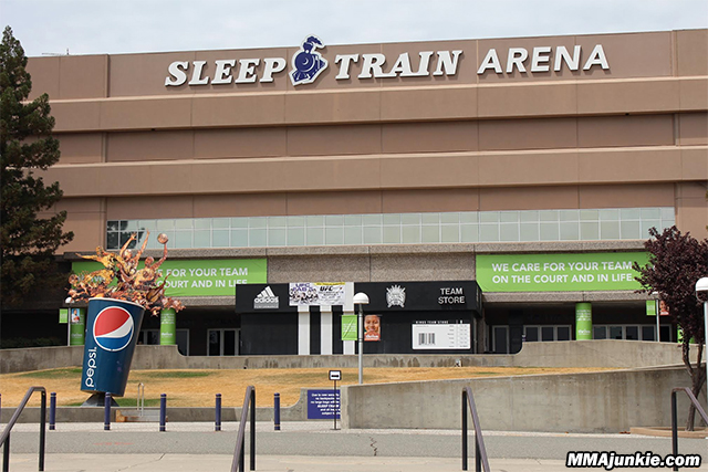 sleep-train-arena-sacramento-ufc-177