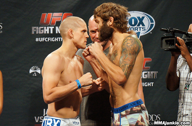 joe-lauzon-michael-chiesa-ufc-fight-night-50