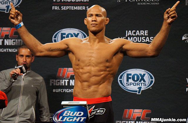 ronaldo-jacare-souza-ufc-fight-night-50