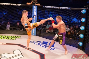 Adam Townsend vs. Ryan Roberts, RFA 30