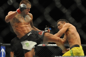Anthony Pettis and Charles Oliveria