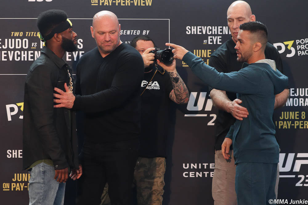 Sterling and Munhoz face off ahead of UFC 238 (Pic: MMA Junkie)