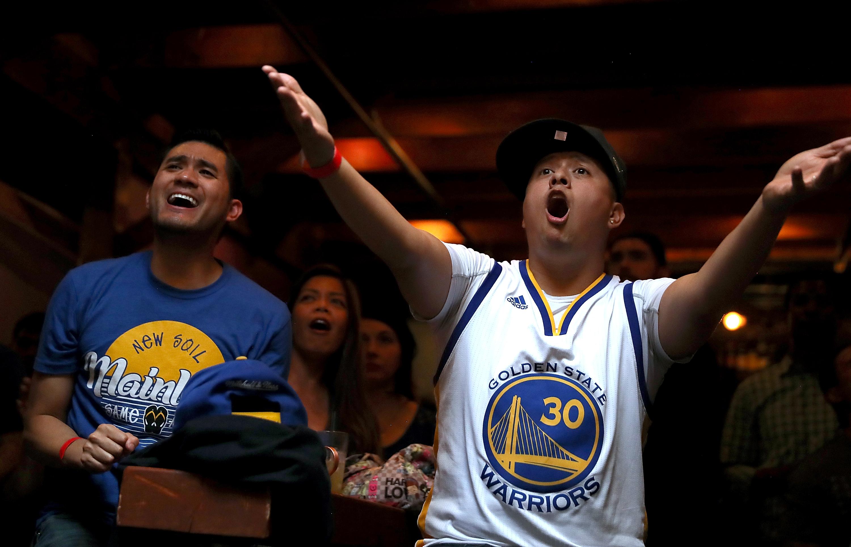 NBA fans upset react Warriors