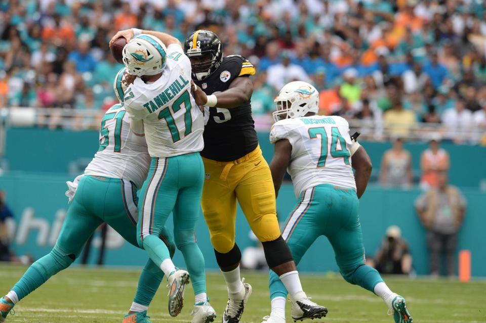 tempmccullers01_at_dolphins_10162016-nfl_mezz_1280_1024