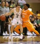 LAHAINA, HI - NOVEMBER 22: Detrick Mostella #15 of the Tennessee Volunteers defends Casey Benson #2 of the Oregon Ducks during the second half of the Maui Invitational NCAA college basketball game at the Lahaina Civic Center on November 22, 2016 in Lahaina, Hawaii. Oregon won the game 69-65. (Photo by Darryl Oumi/Getty Images)