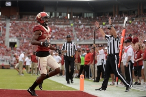 Oct 15, 2016; Norman, OK, USA; Oklahoma Sooners wide receiver Dede Westbrook (11) scores a touchdown against the Kansas State Wildcats during the third quarter at Gaylord Family - Oklahoma Memorial Stadium. Mandatory Credit: Mark D. Smith-USA TODAY Sports