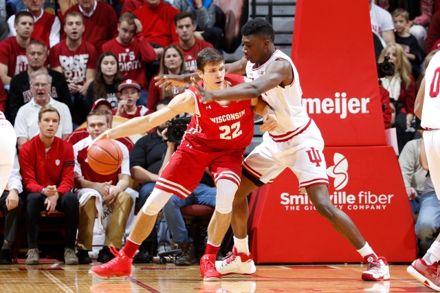 BLOOMINGTON, IN - JANUARY 03: Thomas Bryant #31 of the Indiana Hoosiers defends against Ethan Happ #22 of the Wisconsin Badgers in the first half of the game at Assembly Hall on January 3, 2017 in Bloomington, Indiana. (Photo by Joe Robbins/Getty Images)
